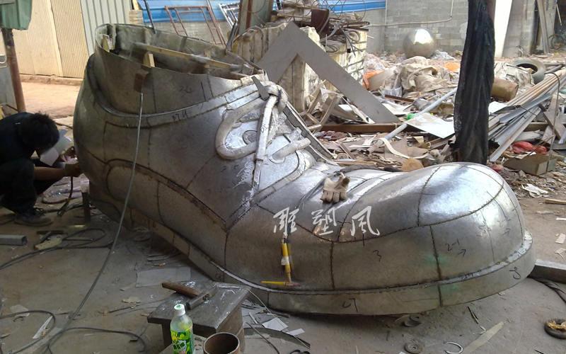 不锈钢雕塑鞋子