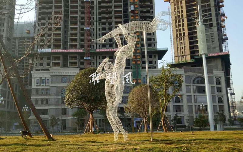 不锈钢人物雕塑安装