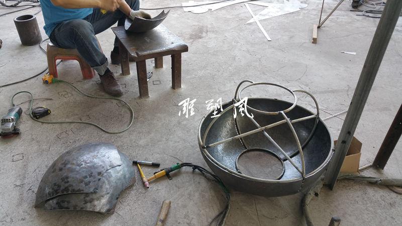 不锈钢凳子烧焊拼接