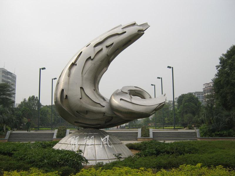 罗村主题雕塑三年后效果图