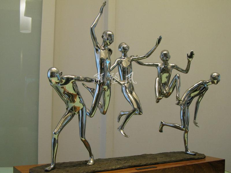 不锈钢人物雕塑小稿
