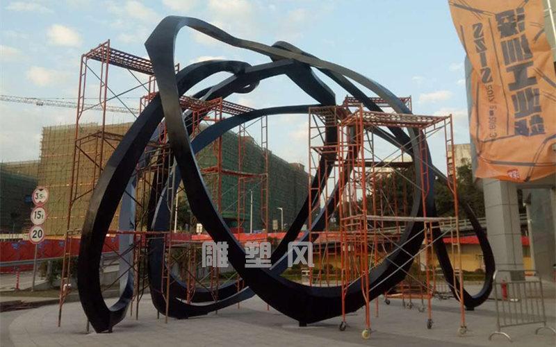 大型广场雕塑施工安装
