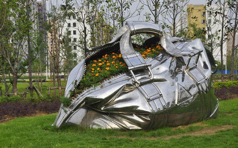 园林不锈钢雕塑包