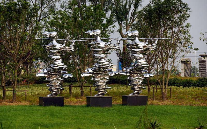 不锈钢人物与乐器 湖之韵雕塑