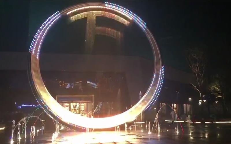 不锈钢圆环雕塑效果图