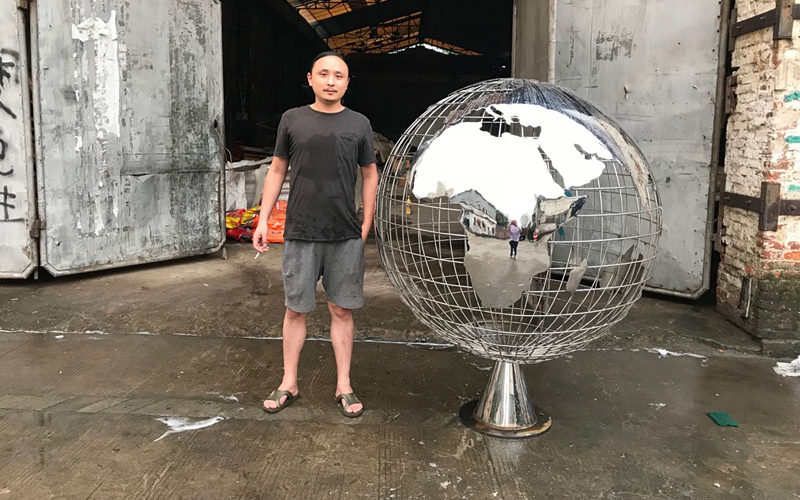 不锈钢地球仪雕塑成品