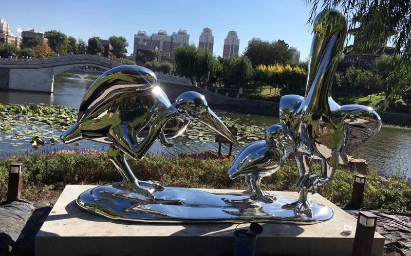 不锈钢雕塑造型艺术