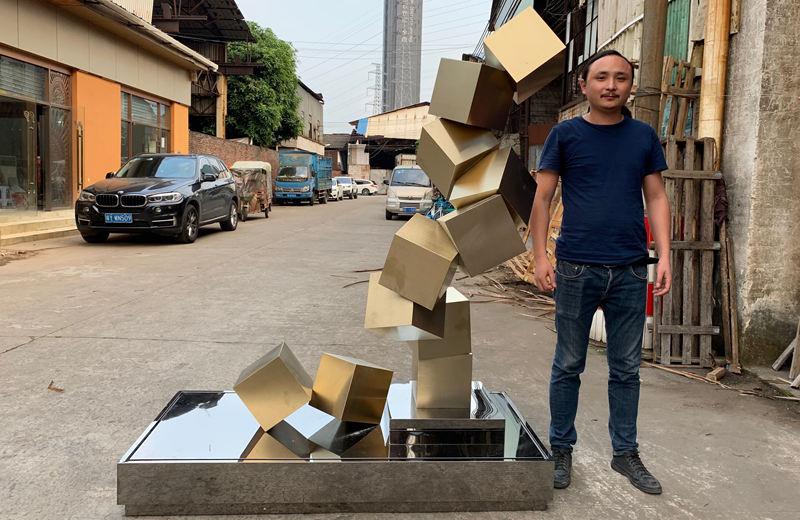几何体不锈钢雕塑