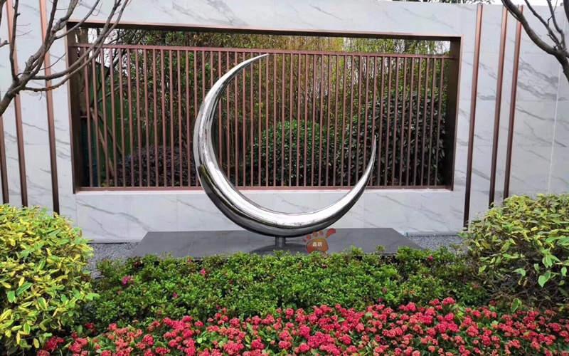 园林景观不锈钢月亮雕塑