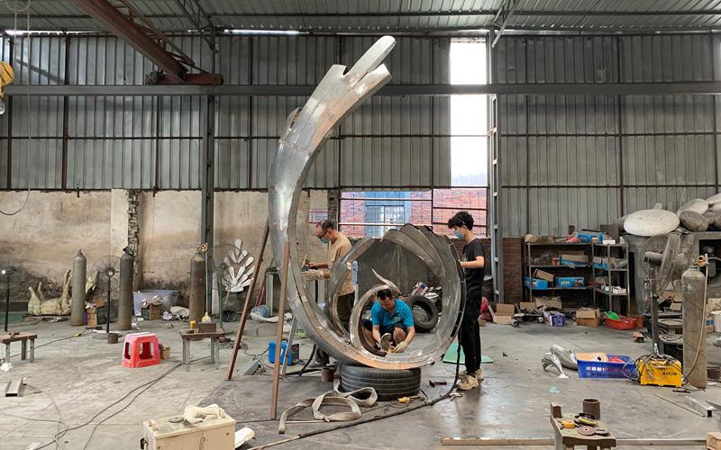 不锈钢凤凰雕塑制作流程