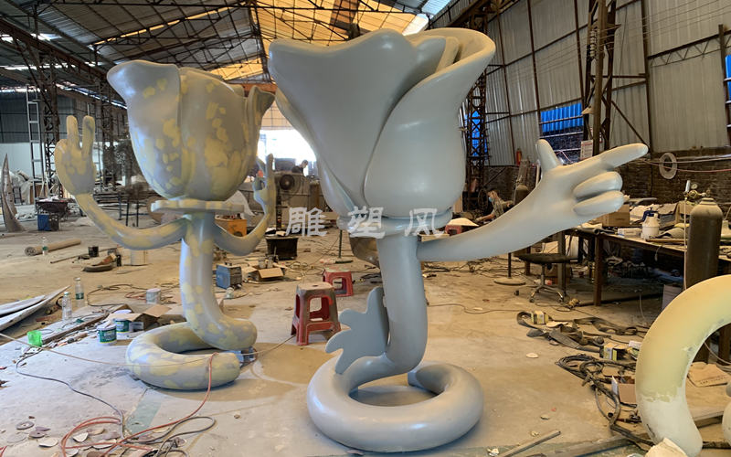 不锈钢玫瑰花公仔雕塑焊接成型