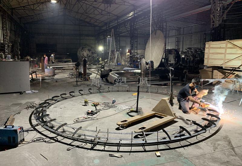 不锈钢水景圆环雕塑骨架制作