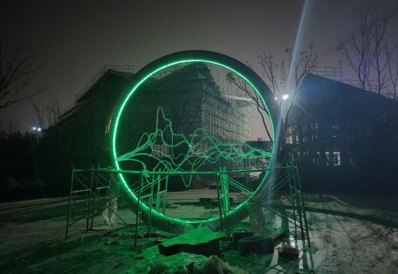 不锈钢水景圆环雕塑灯光安装